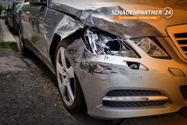 Totalschaden nach Autounfall - Schadenpartner24 hilft