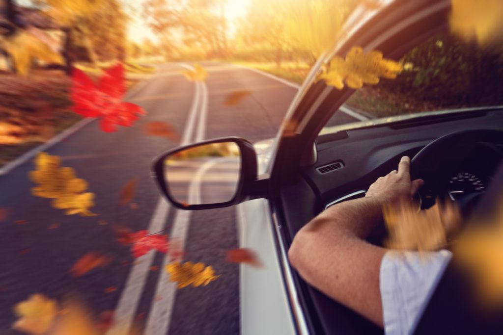 Herbst Auto Blätter Unfall